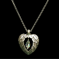 Hearts Beacon Necklace 250x250